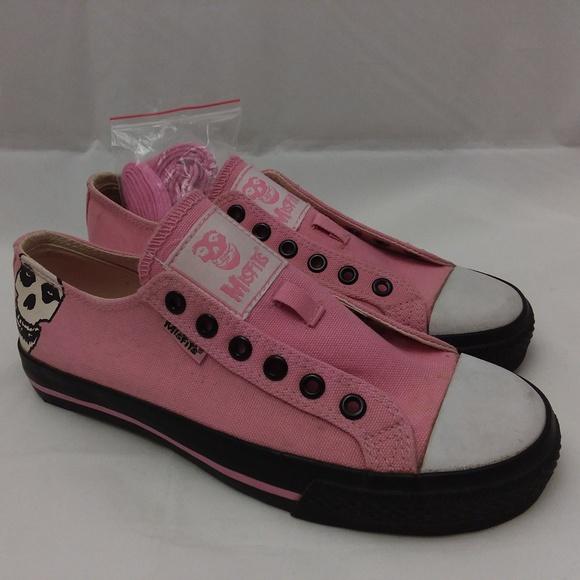 ef9176b1879 Vision Street Wear Misfits Pink Shoes. M 5b022f846bf5a6549635c6c6
